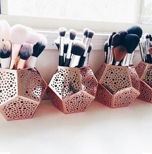 k-mart-makeup-brush-holders