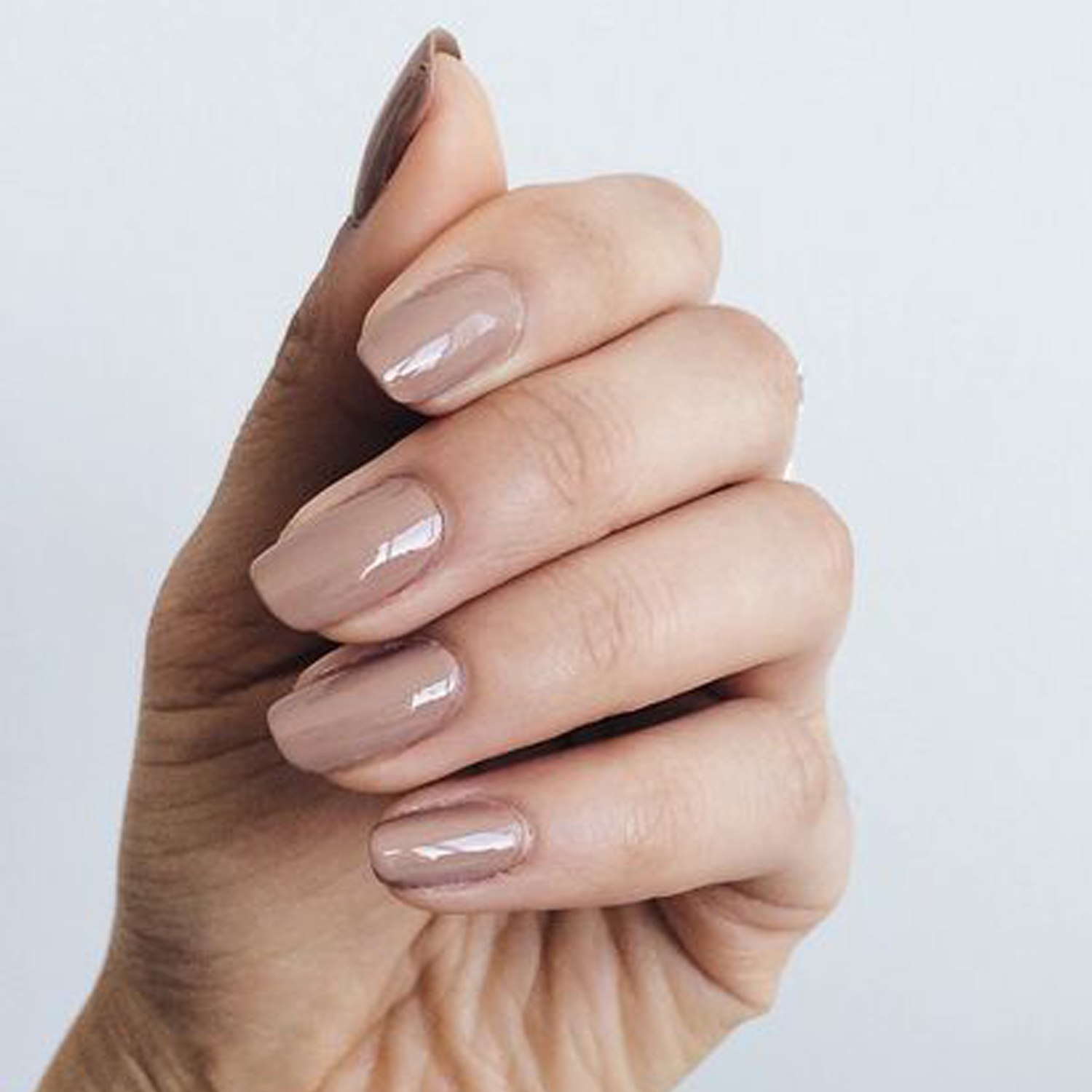 Squoval Or Square Oval Nails Are A Shape With Softened Corners It S Flattering Style That Tends To Suit All Nail Shapes And Sizes